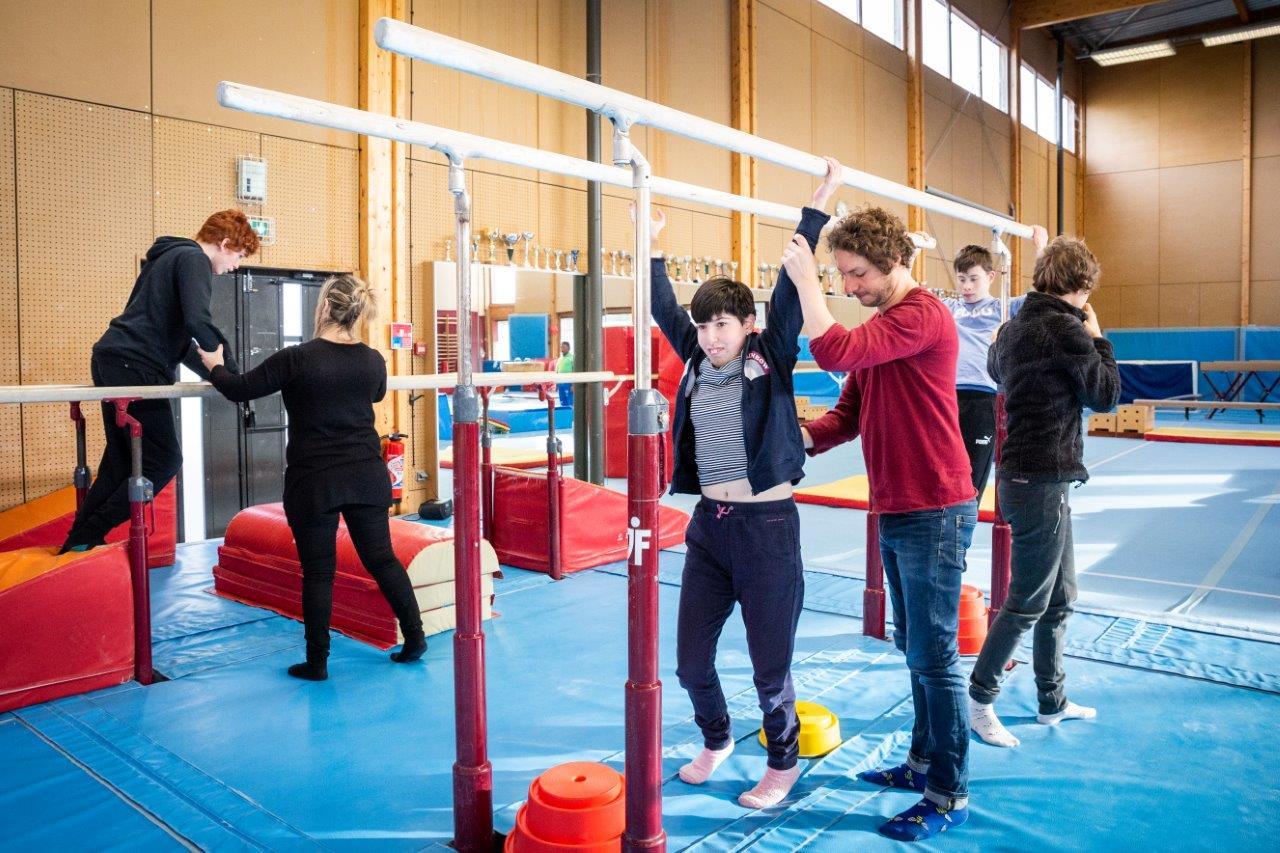 Les cours handi-gym proposés par la Jeune France de Villeurbanne.