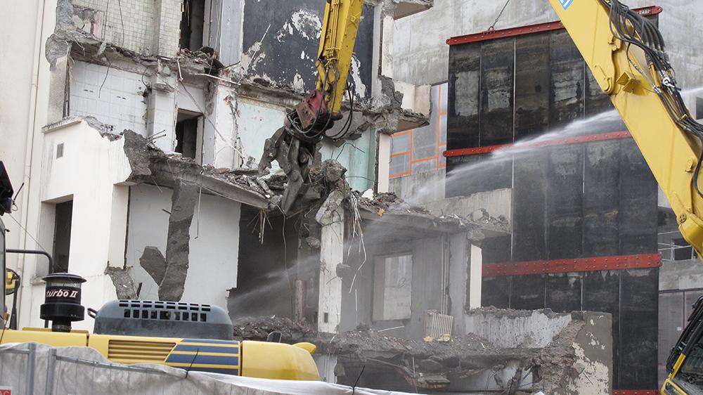 Démolition d'immeuble dans la rue Jean Bourgey