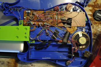 ATELIER - Circuit bending