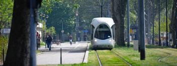 Tramway T9 – Stand au métro Charpennes