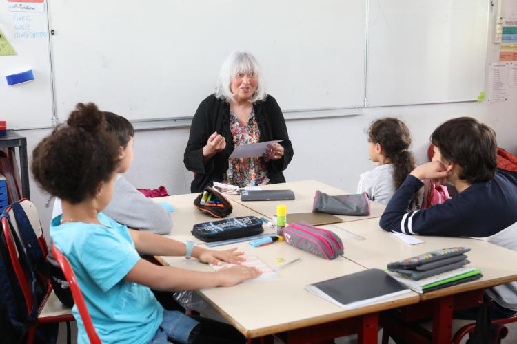 La célèbre autrice Susie Morgenstern est venue à la rencontre des écoliers du groupe scolaire Albert-Camus.