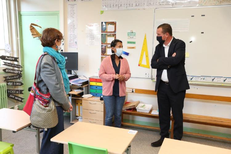 Rentree Scolaire Cedric Van Styvendael A Rendu Visite Aux Equipes De L Ecole Leon Jouhaux