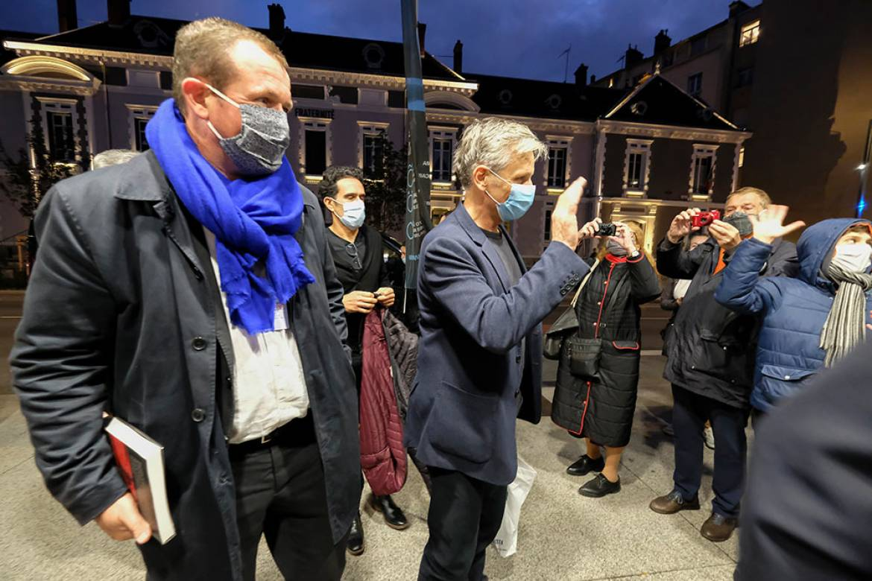 Cédric Van Styvendael, Viggo Mortensen et Olivier Calonnec, directeur du cinéma Le Zola