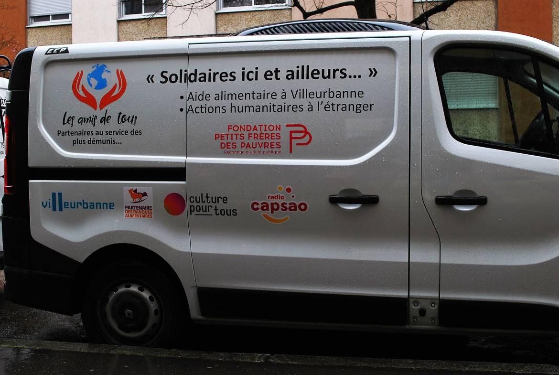 L'association Les amis de tous se dote d'un camion
