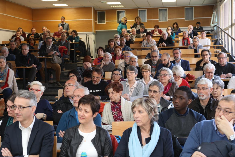 Plus d'une centaine de personnes ont participé à la rencontre des conseils de quartier, le samedi 13 avril.