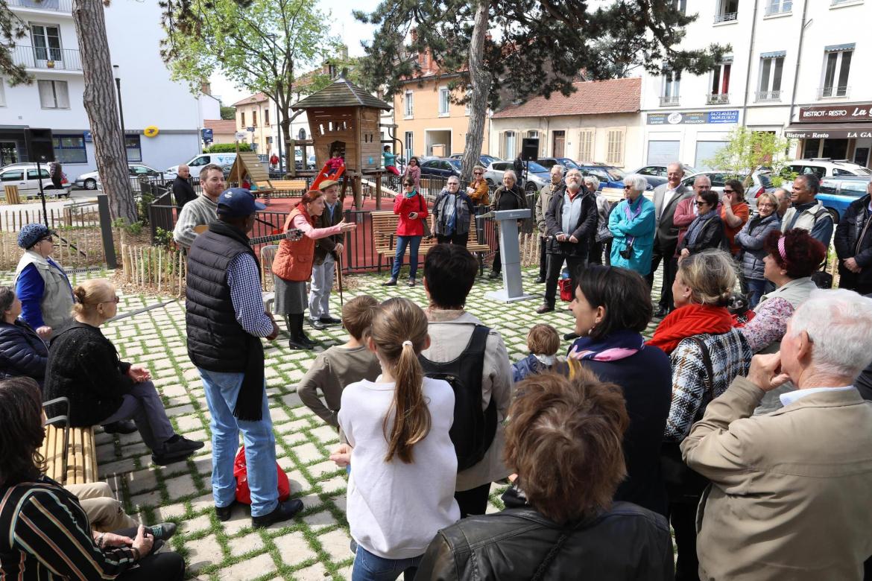 À Cusset, les habitants rassemblés autour de Manon Roland