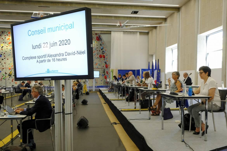 Le dernier conseil municipal de la mandature ne s'est pas déroulé à l'hôtel de ville mais au complexe sportif Alexandra-David-Neel.