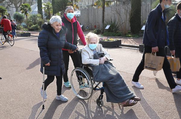 Les éducateurs sportifs de la Ville aux côtés des personnes âgées