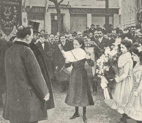 Inauguration de la mairie de Grandclément en 1904, en présence du ministre Trouillot. (© DR)
