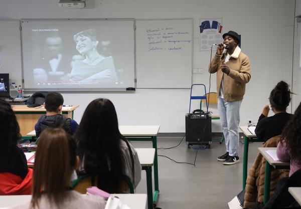 Les élèves du lycée professionnel Magenta s'essayent à l'écriture