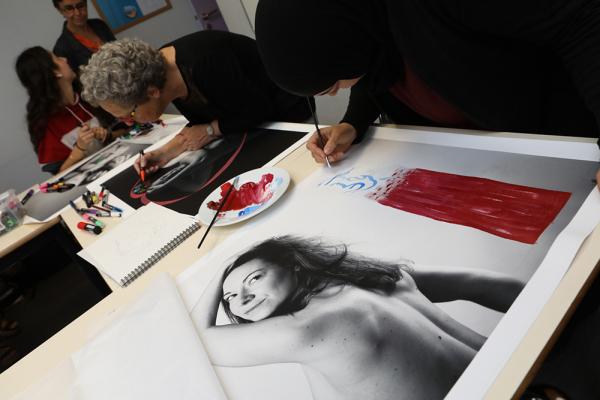 Des Villeurbannaises donnent des couleurs au projet artistique Venus